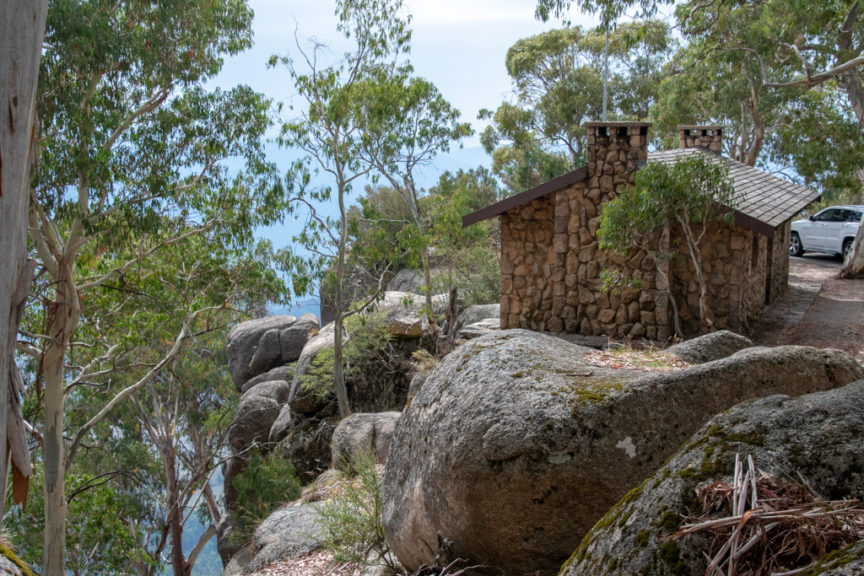 Echo Point - lunch in the hut